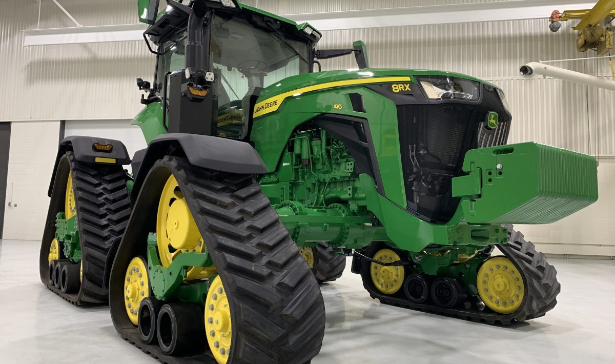 John-Deere-vehicle