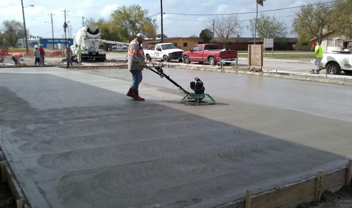 concrete-contractors-working-track